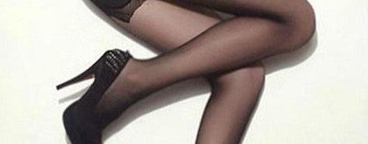 丝袜搭配什么颜色的衣服